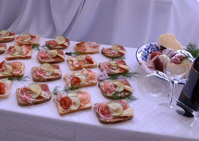 Méteres Ételbár és Söröző - Saláta, hidegtál, szendvics házhoz szállítás (1)